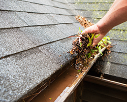 Gutter Cleaning Services in Grand Blanc MI | Discount Seamless Gutters - cleaning